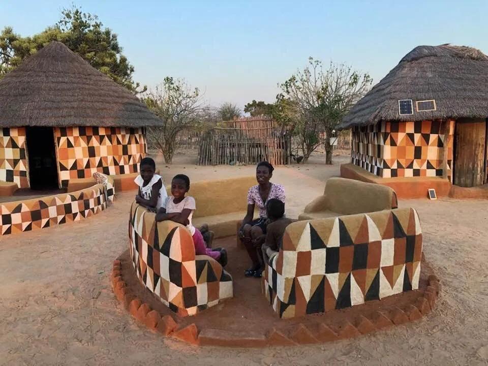 Matobo Women Traditional Hut Designs